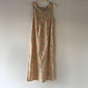 White stag floor length dress . EUC